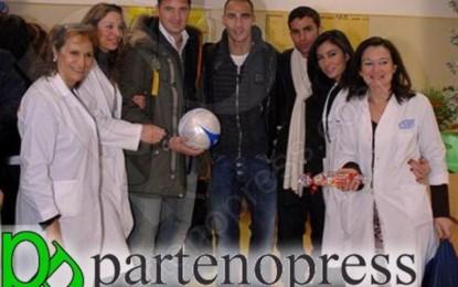 Cannavaro e Blasi portano i regali di Natale ai bambini del Pausillipon