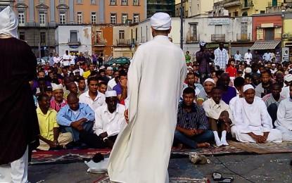Ramadam: il sindaco De Magistris alla cerimonia finale a Piazza Mercato