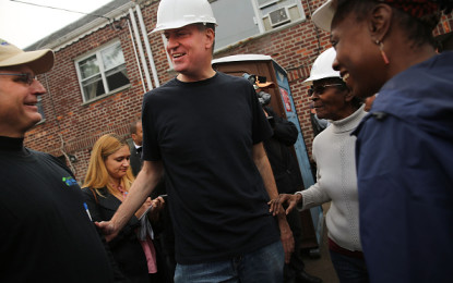 New York ricorda il 2° anniversario del devastante Hurricane Sandy. Il sindaco Bill de Blasio ha fatto l'imbianchino, e in New Jersey dove invece la gente ha fatto conoscere ai propri rappresentanti al Congresso il diffuso malumore per la lentezza nella ricostruzione.