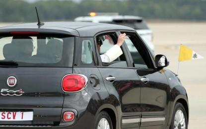 All'asta a Filadelfia la Fiat 500L di Papa Francesco