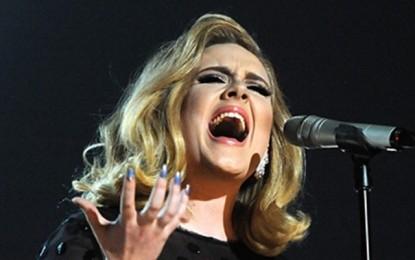 Omaggio dal vivo di Adele alle vittime di Bruxelles, con 'Make you feel my love' di Bob Dylan