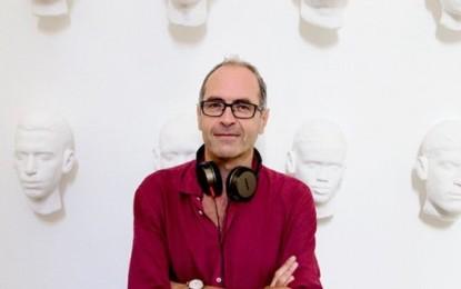 """Il 6 aprile nelle sale """"La Parrucchiera"""", Stefano Incerti ci racconta una Napoli pop, solare e malinconica."""
