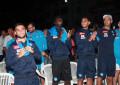 Tanti azzurri a godersi lo spettacolo di Simone Schettino, Valerio Jovine e Made in Sud.