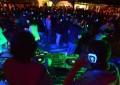 Silent party, la Galleria Umberto invasa da cuffie multicolori