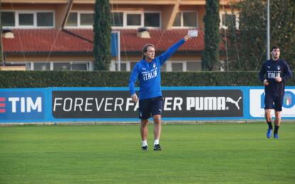 """Mancini sfida: """"Giocare bene, provare a vincere""""."""